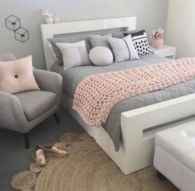 Cute pink kids bedroom designs ideas for small room (13)