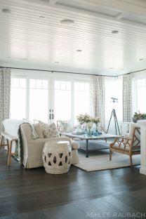 Gorgeous coastal living room decor ideas (25)