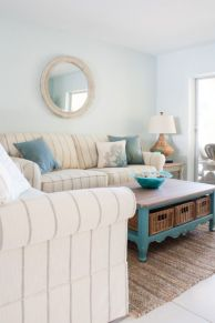 Gorgeous coastal living room decor ideas (30)