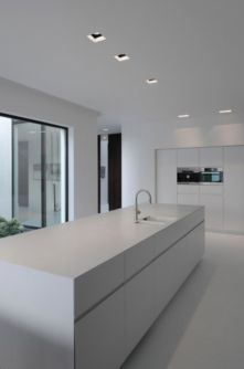 Modern white kitchen design ideas (29)