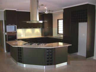 Stylish luxury black kitchen design ideas (21)
