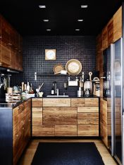Stylish luxury black kitchen design ideas (43)