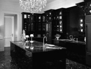 Stylish luxury black kitchen design ideas (7)