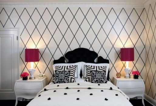 Totally inspiring black and white geometric wallpaper ideas for bedroom (1)