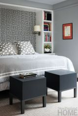 Totally inspiring black and white geometric wallpaper ideas for bedroom (11)