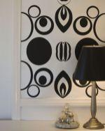 Totally inspiring black and white geometric wallpaper ideas for bedroom (20)