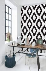 Totally inspiring black and white geometric wallpaper ideas for bedroom (28)