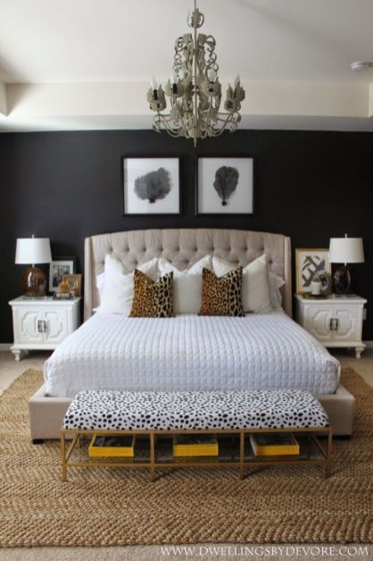Totally inspiring black and white geometric wallpaper ideas for bedroom (31)