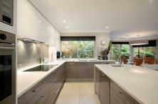 Totally inspiring modern kitchen cabinet design decor ideas (33)