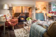 Adorable european living room design and decor ideas (45)