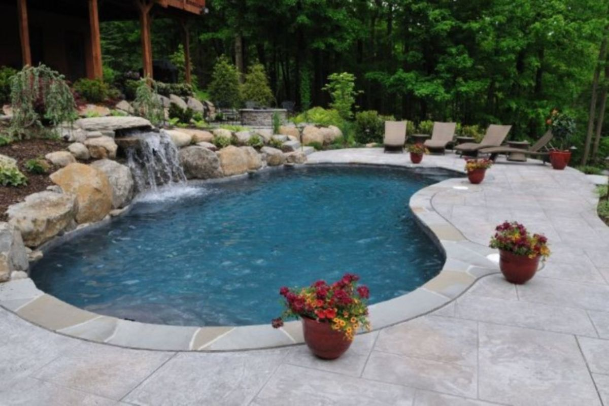 Beautiful small outdoor inground pools design ideas 09