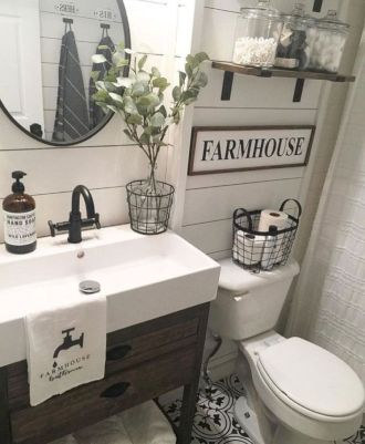 Beautiful urban farmhouse master bathroom remodel ideas (12)