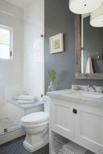 Beautiful urban farmhouse master bathroom remodel ideas (24)