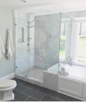 Beautiful urban farmhouse master bathroom remodel ideas (28)