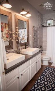 Beautiful urban farmhouse master bathroom remodel ideas (6)