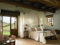 Contemporary italian rustic home décor ideas 07