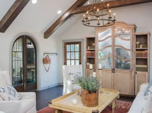 Contemporary italian rustic home décor ideas 32