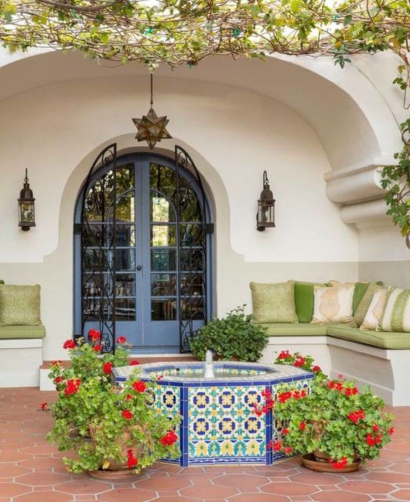 Cozy moroccan patio decor and design ideas (40)