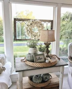 Elegant farmhouse decor ideas for your home (43)
