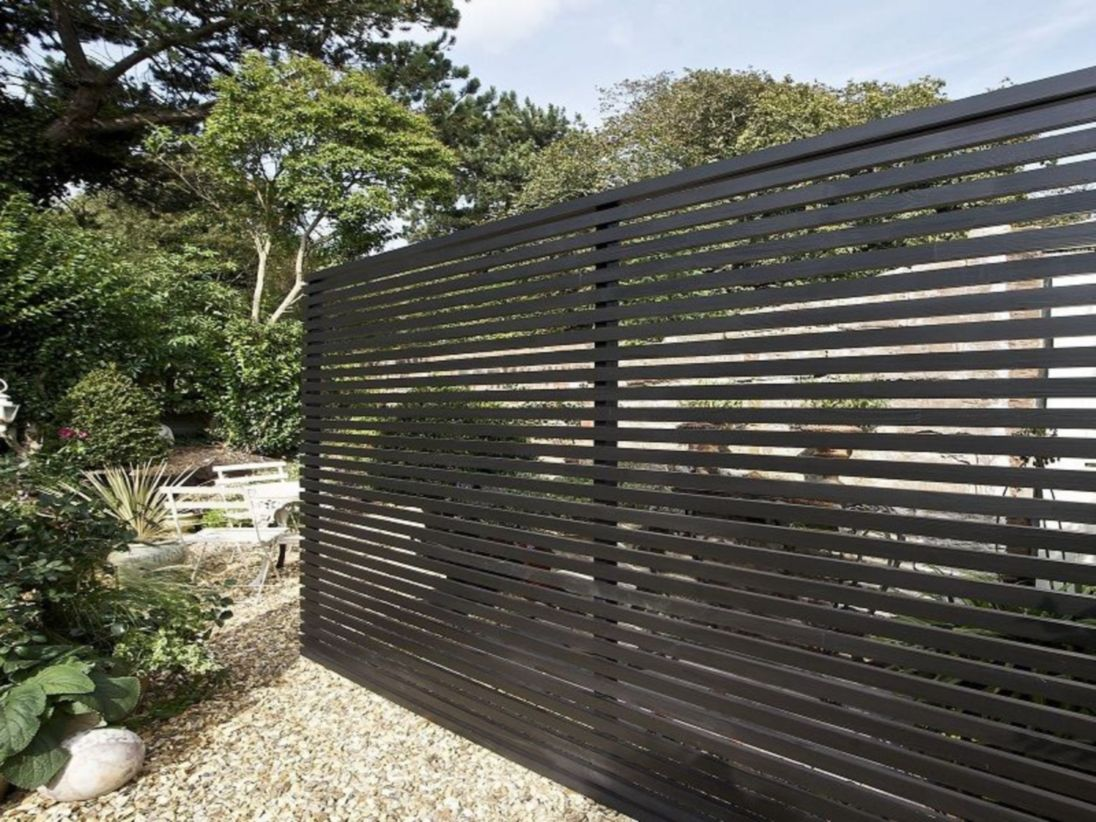 Exclusive and modern minimalist fence design ideas 26