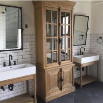 Gorgeous farmhouse master bathroom decorating ideas (11)