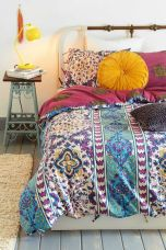 Inspired boho bedroom decorating ideas on a budget 18