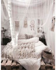 Inspired boho bedroom decorating ideas on a budget 24