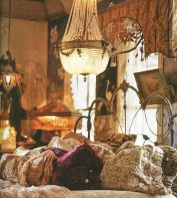 Inspired boho bedroom decorating ideas on a budget 38