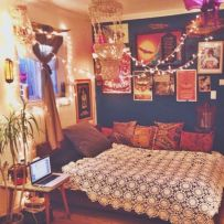 Inspired boho bedroom decorating ideas on a budget 43