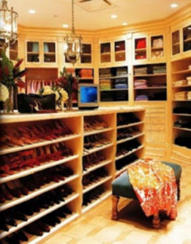 Magnificant closets ideas for your best clothes (14)