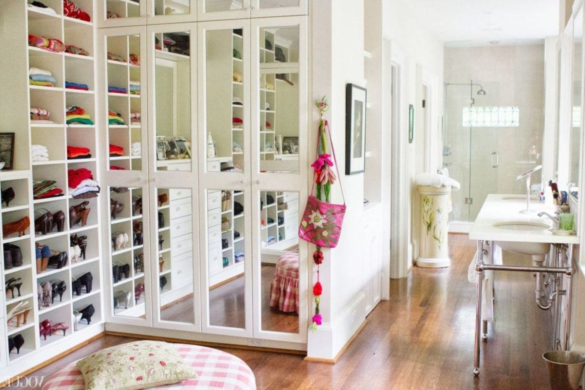 Magnificant closets ideas for your best clothes (16)