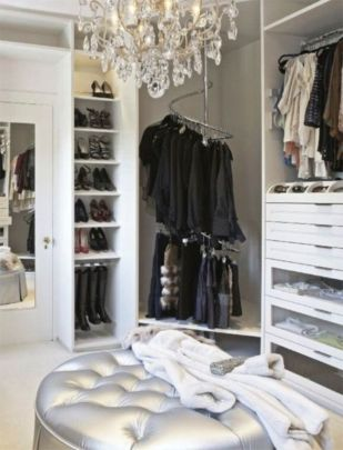 Magnificant closets ideas for your best clothes (20)