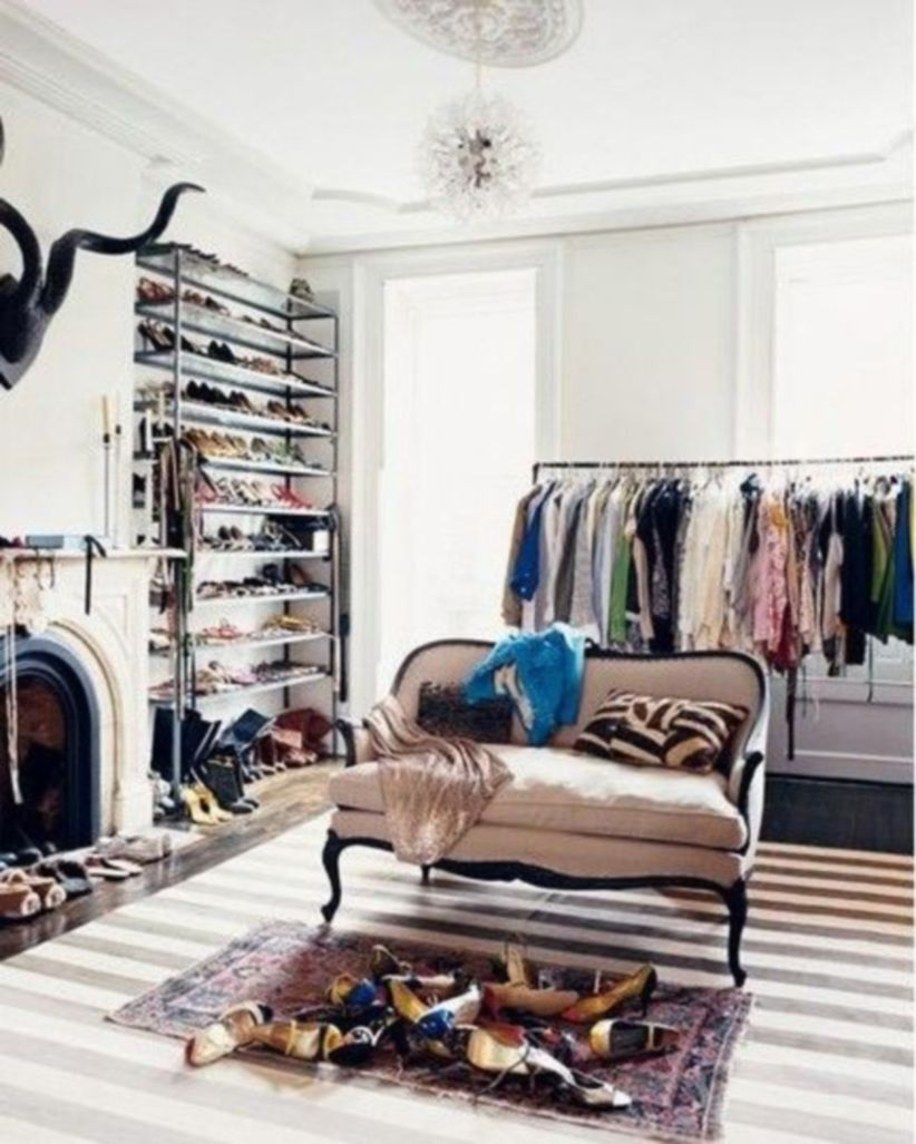 Magnificant closets ideas for your best clothes (35)