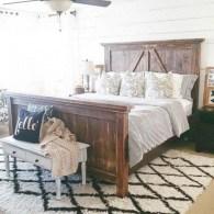 Rustic farmhouse bedroom decorating ideas (1)