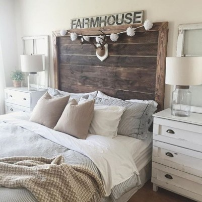 Rustic farmhouse bedroom decorating ideas (22)
