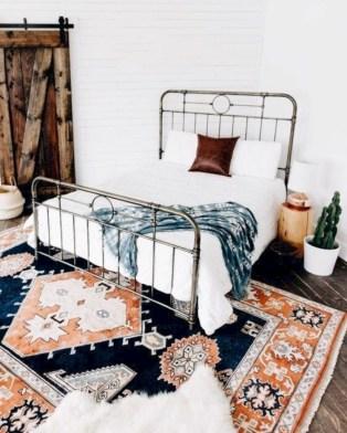 Rustic farmhouse bedroom decorating ideas (28)
