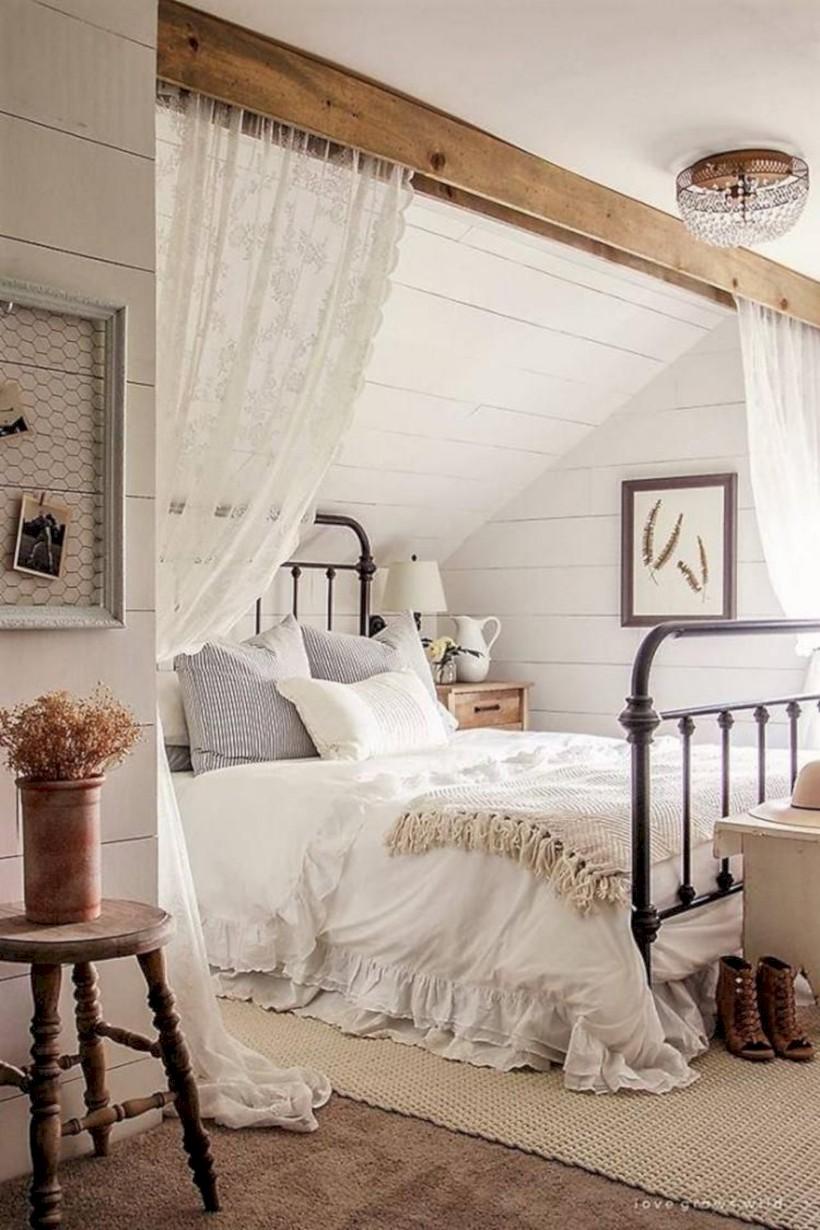 Rustic Farmhouse Bedroom Decorating Ideas (30)