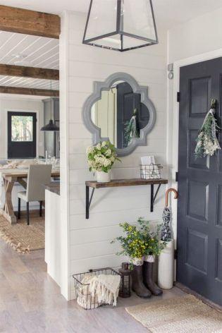 Simply and cozy farmhouse wall decor ideas (27)