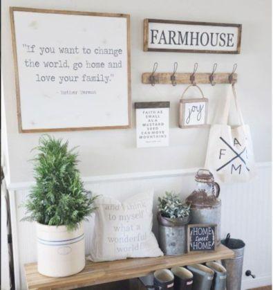 Simply and cozy farmhouse wall decor ideas (34)