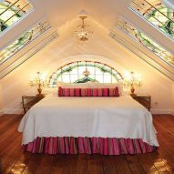 Astounding bedrooms with skylights that everyone will adore 21