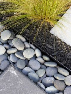 Awesome ways to creatively edge your garden 07