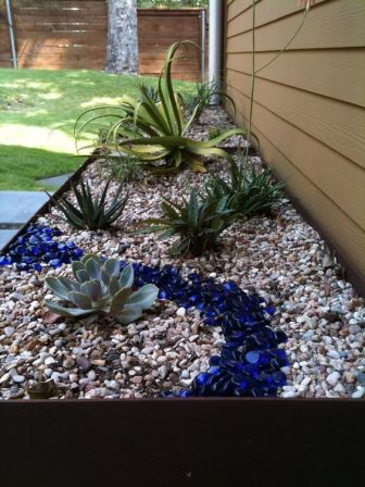 Awesome ways to creatively edge your garden 12