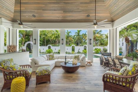 Sophisticated mediterranean porch designs youll fall in love with 21