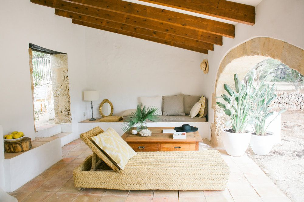 Sophisticated mediterranean porch designs youll fall in love with 27