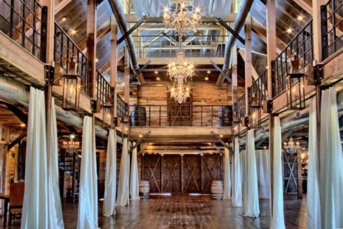 Splendid wedding venues use inspiration 41