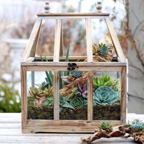 Amazing rustic garden decor ideas 12