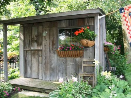 Amazing rustic garden decor ideas 23