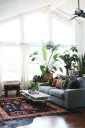 Brilliant bohemian farmhouse decorating ideas for your living room 10