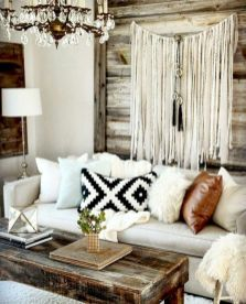 Brilliant bohemian farmhouse decorating ideas for your living room 19