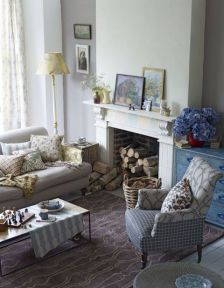Brilliant bohemian farmhouse decorating ideas for your living room 40